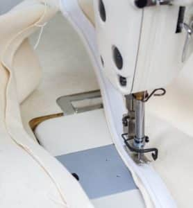 Sewing the zipper tape of your round storage ottoman